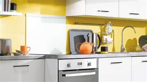 cuisine en noir et blanc cuisine noir blanc jaune