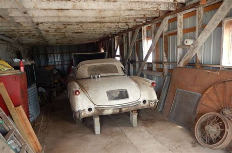 barn finds cars chance barn find yields two c1 corvettes corvetteforum