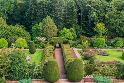 visit crathes castle gardens estate aberdeenshire