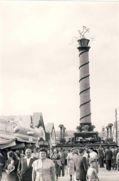 häuser aus den 50er jahren der stuttgarter hauptbahnhof im jahr 1961 vom fu 223 g 228 ngersteg 252 ber die anlagen fotografiert