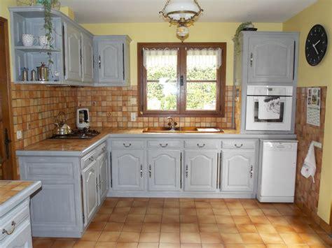 relooker une cuisine ancienne cuisine rustique repeinte en gris atlub com