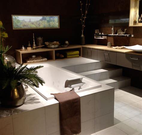 cuisine sous escalier aménagement cuisine et salle de bain avec mobalpa