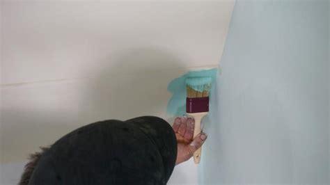 Wand Zur Hälfte Streichen by Sockel Streichen Saubere Farbkanten Durch Abkleben