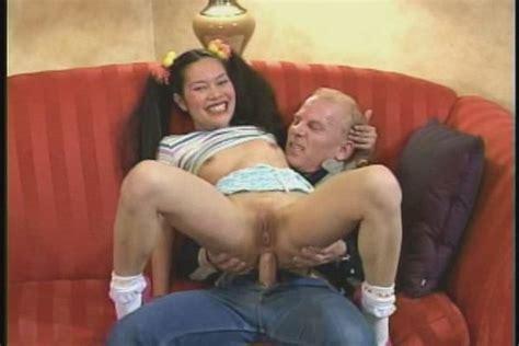 Ling  nackt Su May May Ling