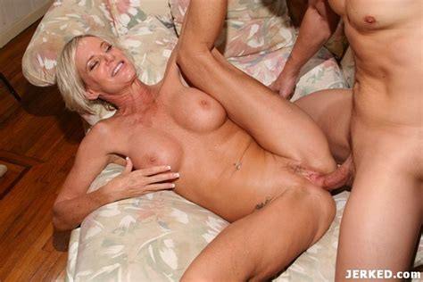 Hot Blonde Milf Getting Fucked Hard Pichunter