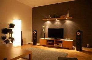 Wohnzimmer Gemütlich Gestalten : w nde wohnzimmer gestalten ~ Frokenaadalensverden.com Haus und Dekorationen