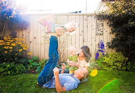 fun  creative family photo ideas