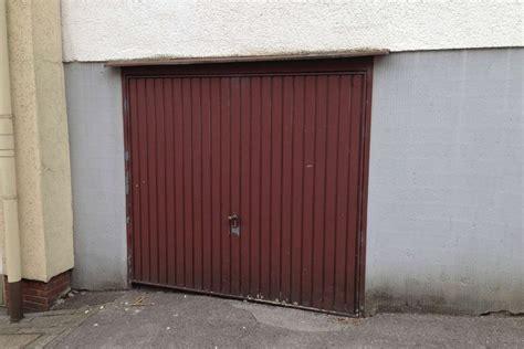 Suche Garage In Wuppertal Danzei
