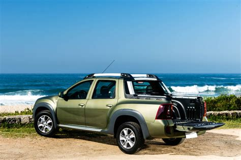 renault duster 2017 black renault duster oroch double cab 2017 first drive cars