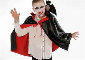 Gruselige Halloween Kostüme : bastelvorlage halloween kost me vampir kost m basteln zum basteln ~ Frokenaadalensverden.com Haus und Dekorationen