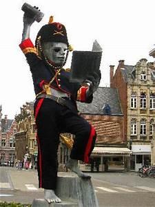 Leuven  Statue Fonske