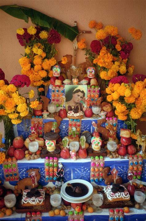 Artelexia: Day of the Dead DIY #7: Creating a DOD Altar