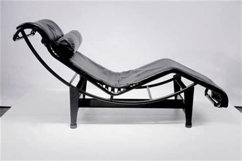 chaise longue basculante lc 4 liege by le corbusier