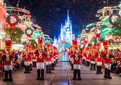 christmas season highlights at disney world