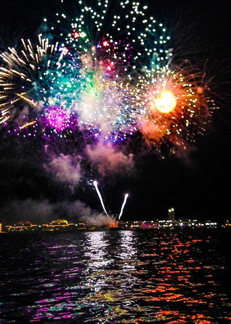 Fireworks Boat Rental Chicago by Chicago Fireworks Cruise Wendella Boats