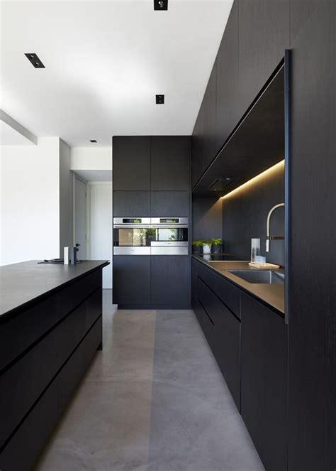 cuisine minimaliste cuisines noires intérieur minimaliste and îlot de cuisine