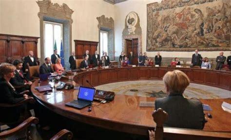 Decreti Consiglio Dei Ministri by Act Arriva Legge Definitiva Scontro Su 18 E
