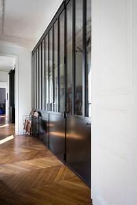appartement haussmannien industriel couloir paris With porte d entrée alu avec meuble salle de bain retro chic