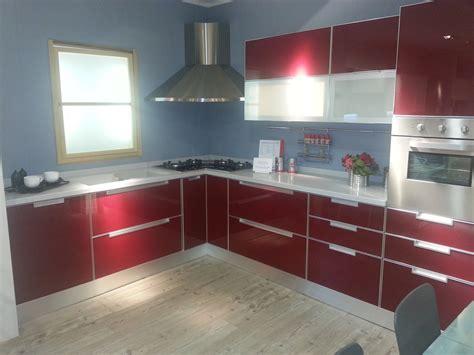 cucina scavolini rossa scavolini rossa vetro 4721 cucine a prezzi scontati