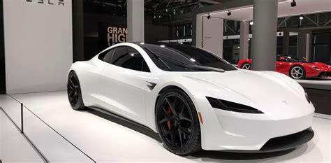 nuova tesla roadster debutto  basilea  la vettura