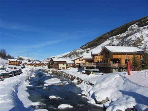 location chalet de luxe pour 14 pers chalets lacuzon au pied des pistes des 3 vall 233 es avec
