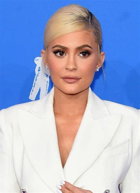 Mtv Vmas The Best Hair Makeup Looks Elle Australia