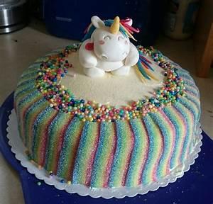 Regenbogen Einhorn Torte : regenbogen torte von sweetee ~ Frokenaadalensverden.com Haus und Dekorationen