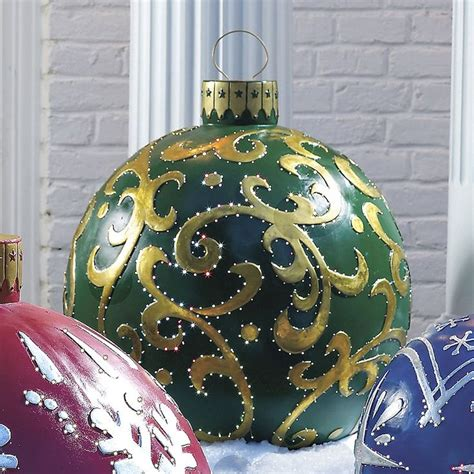 places that sell big christmas lutside balls best 25 large outdoor decorations ideas on large decorations