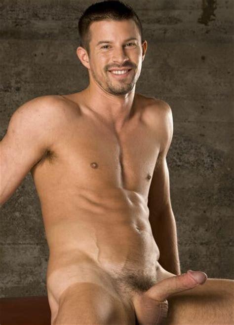 Gay Man in the High Desert: Hot men naked