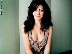 IWS Radio: The IWS Babe of the Week: Anne Hathaway