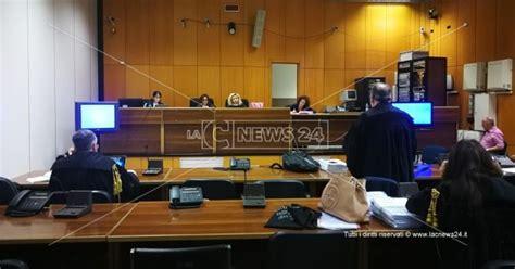 Teste Tribunale by Teste Minacciato Il Tribunale Dice Di No