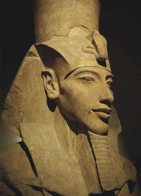 modele  pharaon egyptien