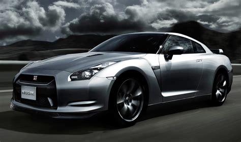 new nissan sports car top benefits of choosing a nissan sports car