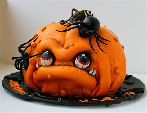 das sind  mega coole halloween torten echt gruselig