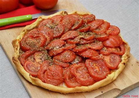 cuisiner la tomate tarte tomate à la moutarde radis