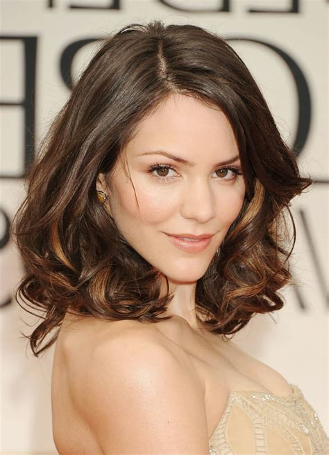 hairstyles for medium length curly hair with side bangs