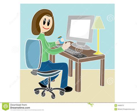 bureau udes environnement femme s 39 asseyant au bureau devant l 39 ordinateur