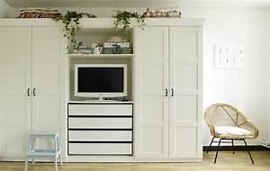 Kleiderschrank Mit Platz Für Fernseher : yvonnes kleiderschrank mit eingebauter tv ecke regalen und schubladen eine perfekte ~ Markanthonyermac.com Haus und Dekorationen