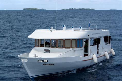sofa terraza maldivas cruceros buceo vida a bordo maldivas 4 atolones cl 225 sica