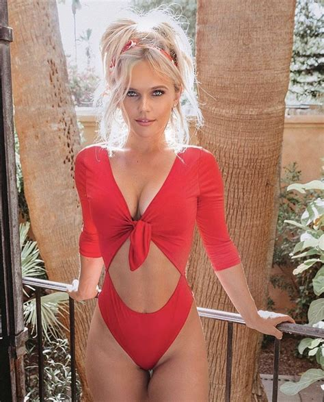 Pin By Yipyip On Hilde Osland Red Outfit Fashion Outfits