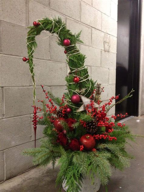 festive outdoor holiday planter ideas  decorate