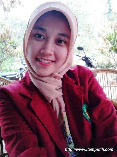 Foto Mahasiswi Jilbab Cantik Toge Montok Hot News