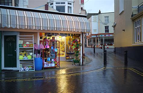 broadstairs beach town shops streets pubs