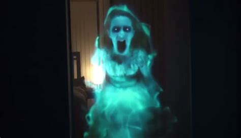 Halloween Hologram Projector Kopen by Terrifying Ghost Holograms For Halloween Pop Culture