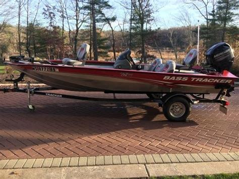 Bass Pro Shop Boats by Bass Pro Shops Tracker Boat Center Foxborough