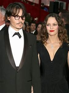 Vanessa Paradis warns Johnny Depp: It's me or Angelina ...