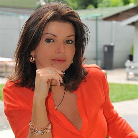 carina bellucci - YouTube