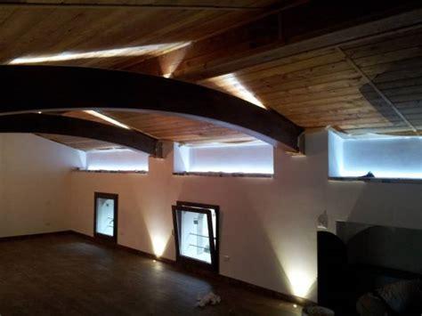 Illuminazione Per Di Montagna by Illuminazione Mansarda Casa Di Montagna