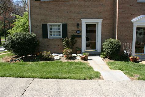 small front yard landscaping ideas townhouse small front yard landscaping ideas townhouse www imgkid com the image kid has it