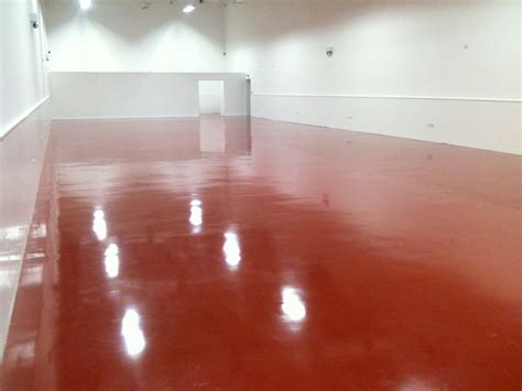 Deep Cleaning Epoxy Floor in Car Showroom, London